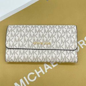 Michael Kors Large Trifold Wallet Vanilla